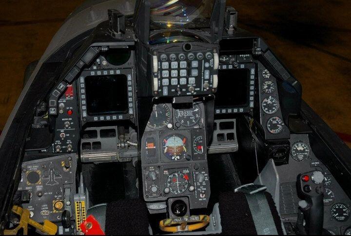 F-16 Block 40 Kokpiti