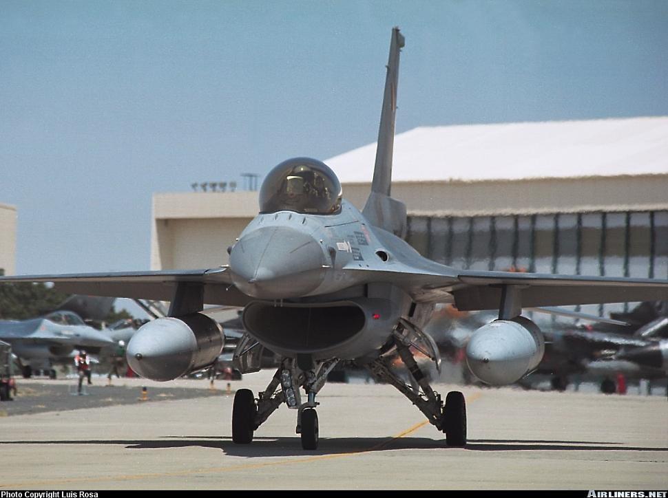 Belçika Hava Kuvvetleri'ne ait F-16 Block 15 OCU