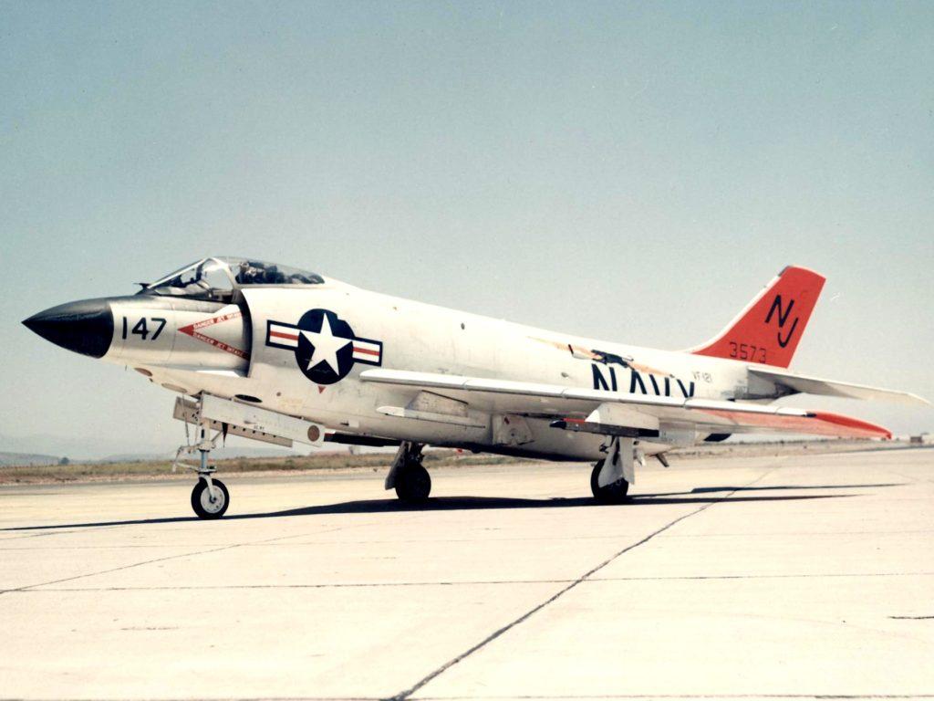 Birleşik Devletler Donanması'na bağlı F-3H Savaş Uçağı