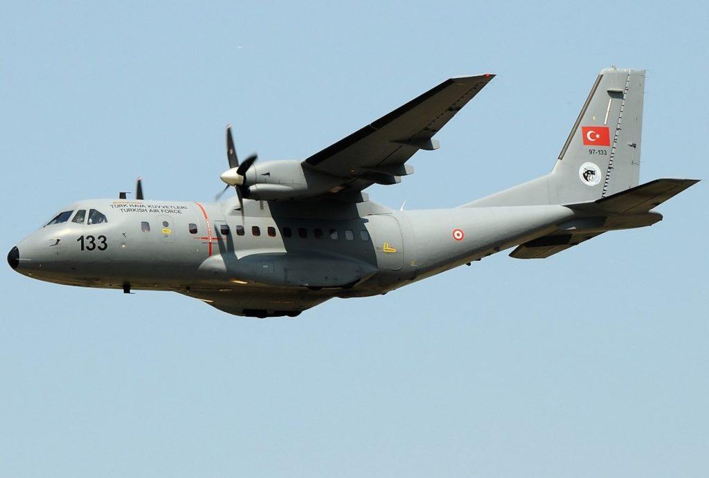 Türk Hava Kuvvetlerine bağlı CN-235 uçağı