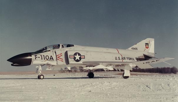 1962 yılından önce F-110 adıyla anılan F-4 Savaş Uçağı
