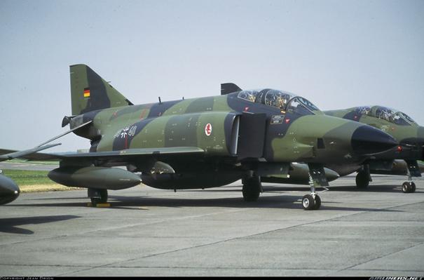 Luftwaffe'ye bağlı RF-4E Phantom II'ler