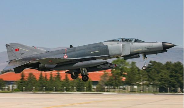 Envanterimize ikinci giren F-4E Phantom uçağımız. Maalesef bu uçağımız 26.04.2011 tarihinde eğitim uçuşu için kalkış yaparken kırıma uğramıştır. Olayın tek sevindirici tarafı iki pilotumuzun sağlıklı bir şekilde bu kazayı atlatmasıdır.