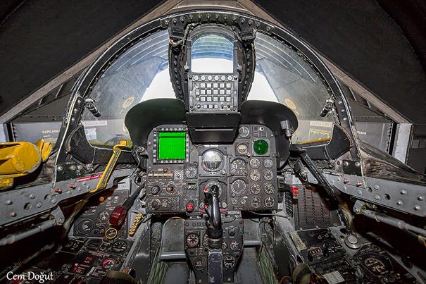 F-4E 2020 Terminatör Savaş Uçağımızın Ön Kokpiti (Cem Doğut Bey'e teşekkürler)