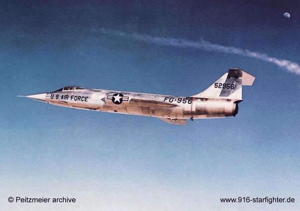 YF-104A savaş uçağı