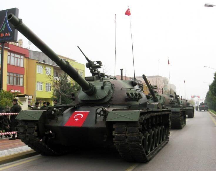 M48 Tankları Geçit Töreninde Tank