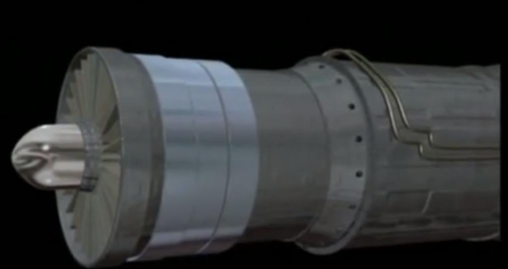 TF30 motorun etrafına sarılan çelik bantlar
