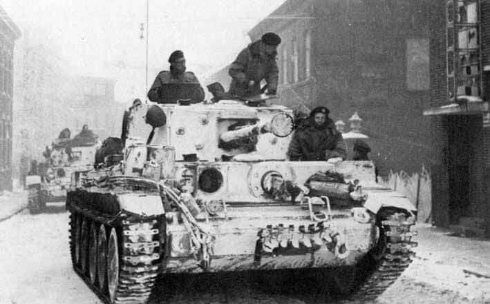 Roermond İsimli Hollanda kasabasında İngiliz Cromwell tankları