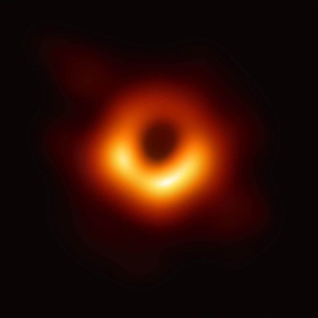 İlk kez fotoğrafladığımız kara delik olan Messier 87 kara delik