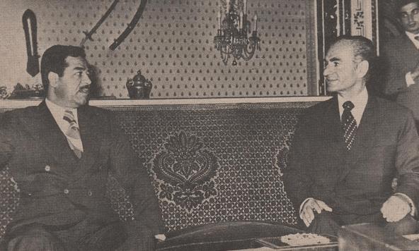 1975 yılında Muhammed Rıza Pehlevi ve Saddam Hüseyin'in toplantılarından bir kare