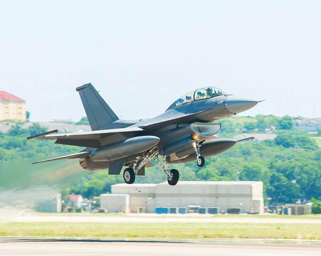 F-16 Block 70 'de kullanılan Legion IRST Pod