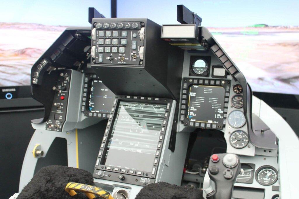 F-16 Block 70 (F-16V) kokpiti