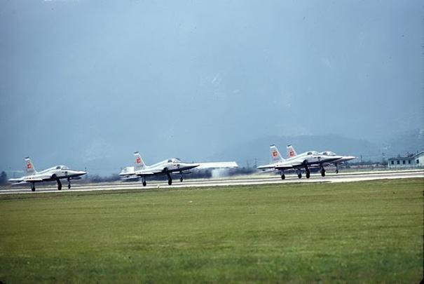 28 Temmuz 1969 'da İtalya'da gösteri yapan Türk F-5 A'ları