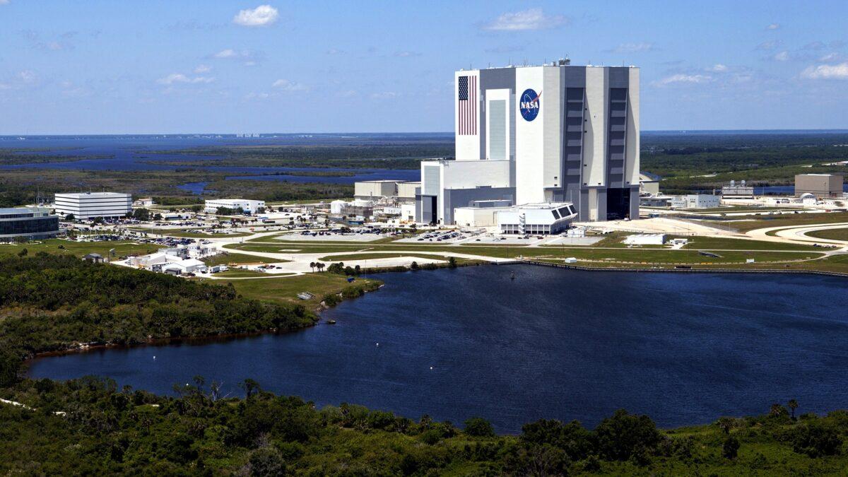NASA Neden Yeniden Kullanılabilir Roketler Üretmiyor?